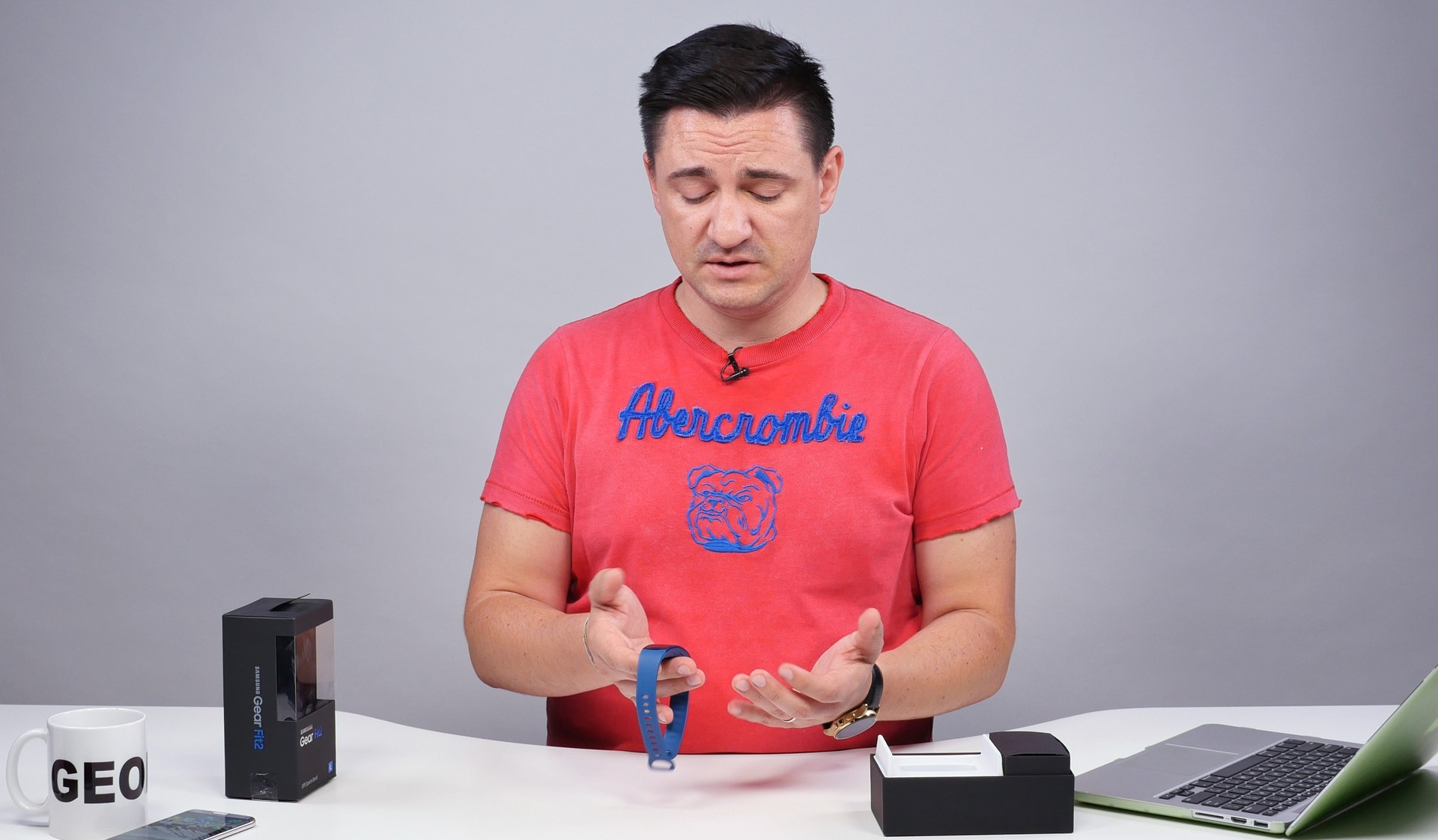 samsung_galaxy_gear_fit_2_review_buhnici