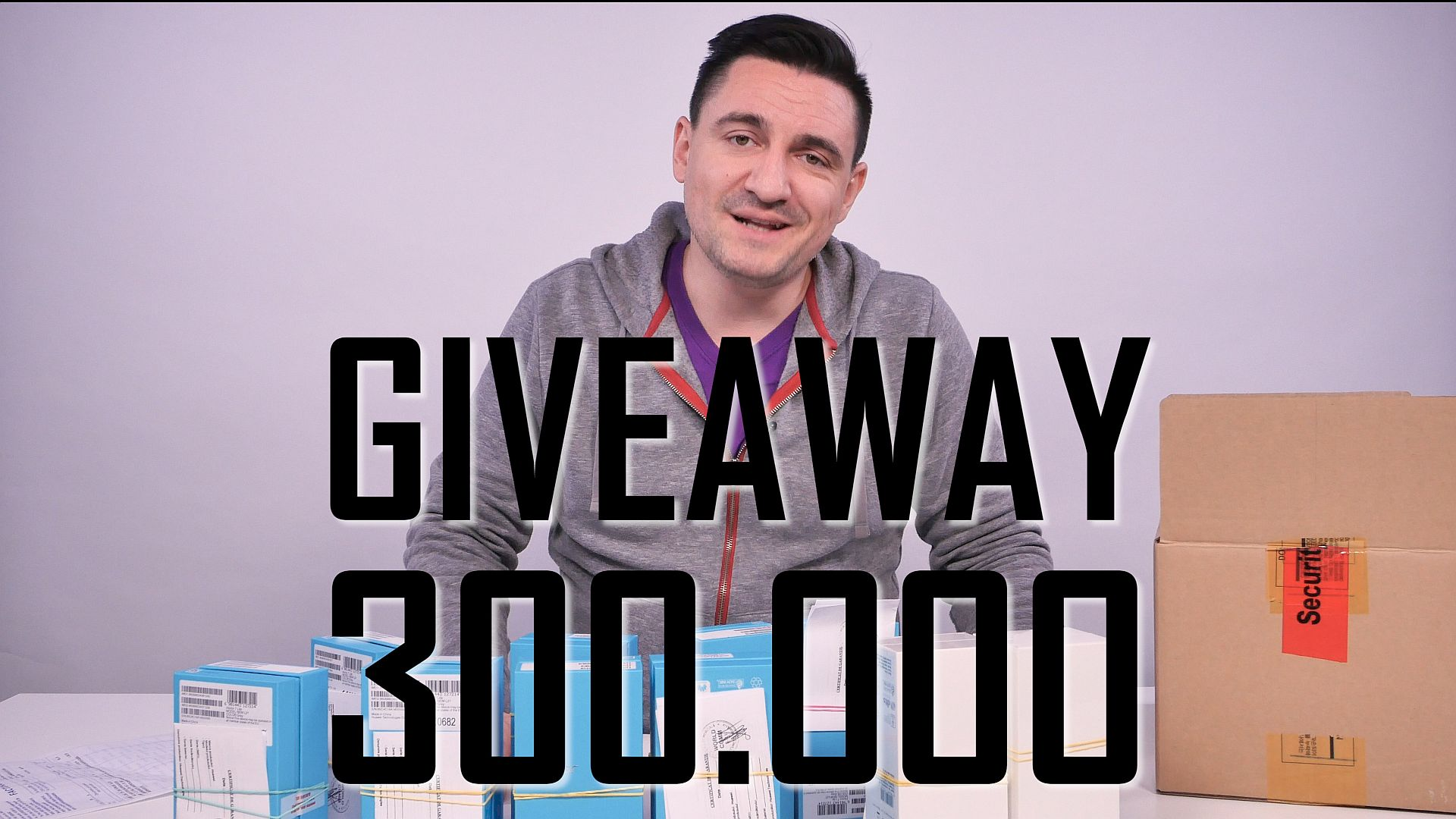 giveaway_300000_cu_text_mic