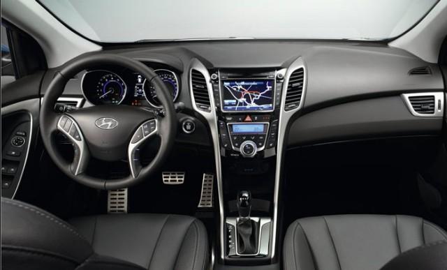 Hyundai-i30-Wagon-2013-3