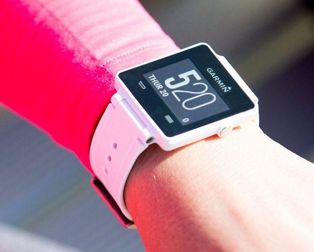 Garmin_VivoActive_Smartwatch_Sport_Pret_Review_Buhnici